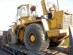 Zettelmeyer loading shovel (Scrawb) Tags: bucket heavyequipment shovel loader loaders konz constructionequipment constructionmachinery excavators bigmachine wheelloader wheelloaders bigshovel zettelmeyer wheeledloader wheeledloadingshovel tractorsdiggers oldloadingshovel zettelmeyerkonz konzgermany zettelmeyerzl2002 loadingbucket