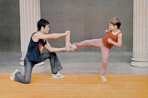karatekicking