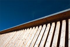 minimal#14 (hey.pictrues) Tags: wood roof house cold lines windy bluesky diagonal simplicity highkey division parallel bozen schn einfach lnersee muehlhausen nikond90 noticings niklasplessing lnersee