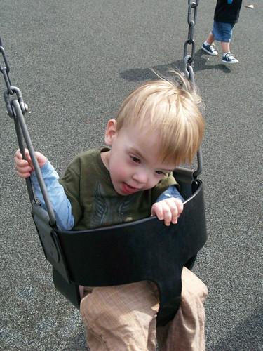 Atti swinging
