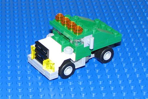 LEGO 2010 Creator 5865 Mini Dumper - Dump truck