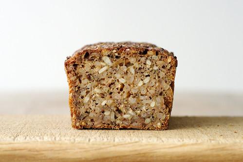 bröd med hela kornkärnor
