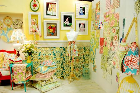 Sandi Henderson booth