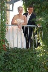 Schijnhuwelijk (Princessehof) Tags: wedding en groom bride fake weddingpictures leeuwarden scherven keramiek bruid bruidegom geluk princessehof keramiekmuseum huwelijksfoto schijnhuwelijk