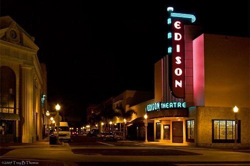 EdisonTheatreAtNight_20090803