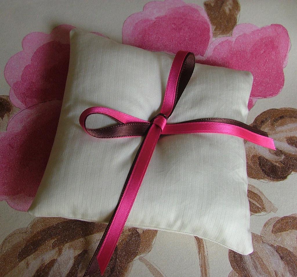 ring pillow 2