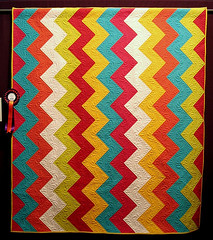 Zigue Zague (QOB) Tags: quilt quilting quilted quilts zigzag longarm machinequilted longarmmachine quiltsonbastings amqa