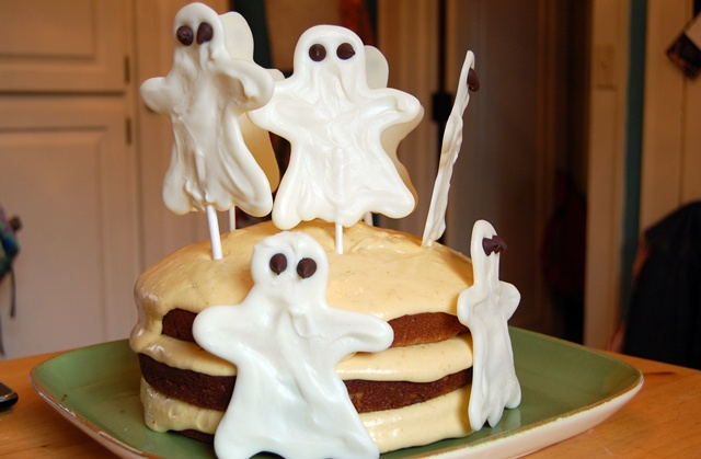 Ghost Pumpkin Cake