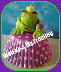 Frog Prince with a Heart (well kiss my frosting) Tags: love heart prince romance frog toad valentines frogcupcake princecupcake toadcupcake
