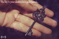Tú tienes la llave de tu destino. (Ekatiia) Tags: hands key destiny future mano fotografia humano destino llave futuro vivir voluntad ekatiia