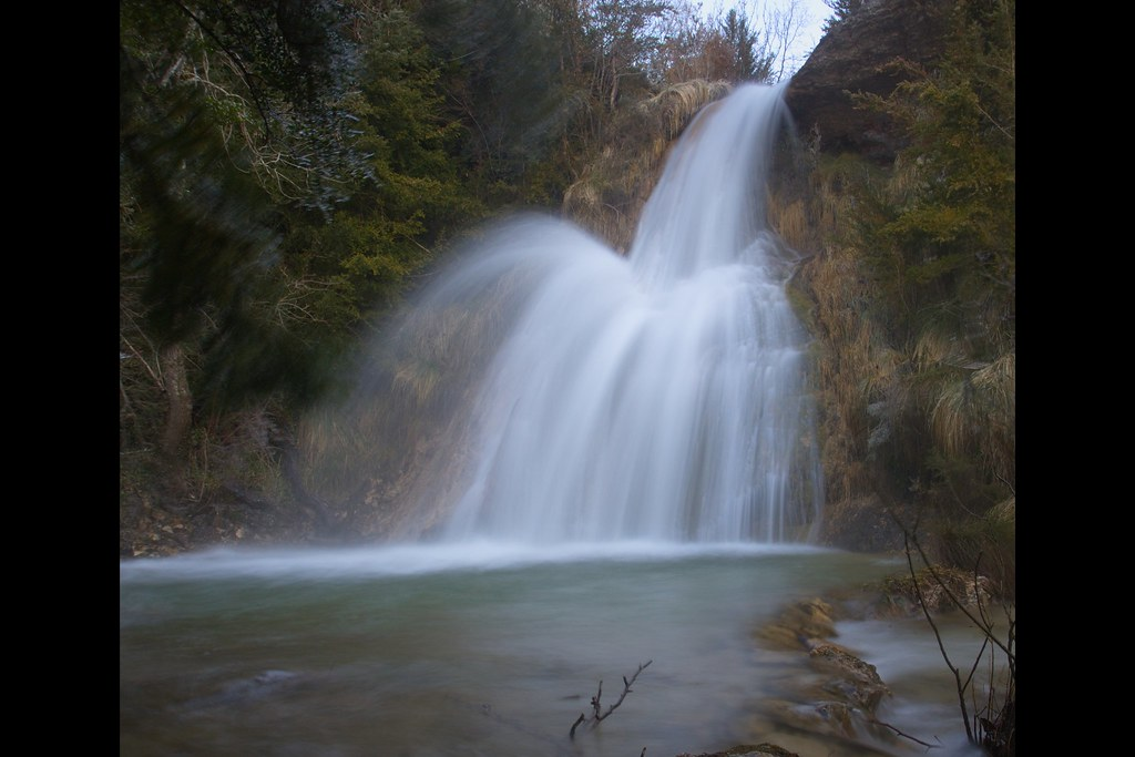 cascada en Izki