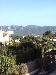 Fabulosas vistas despejadas y muy soleado.Infórmese sin compromiso en su agencia inmobiliaria Asegil. www.inmobiliariabenidorm.com