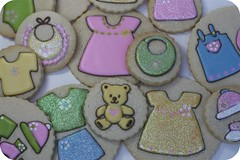 baby shower cookies (sweetopia*) Tags: royalicing decoratedcookies babyshowercookies june2009card2