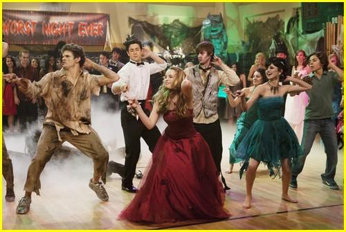 selena gomez zombie prom