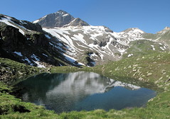 Fanellhorn 051 (Shepherd & his Hot Dogs) Tags: panorama lake mountains alps schweiz switzerland see landscapes hiking berge climbing alpine alpen reflexions vals mountainpath bergwandern gipfel bergweg summits the4elements kantongraubnden zervreilasee shepherdhishotdogs guraletschsee vosplusbellesphotos fanellhorn cantonofgrisons