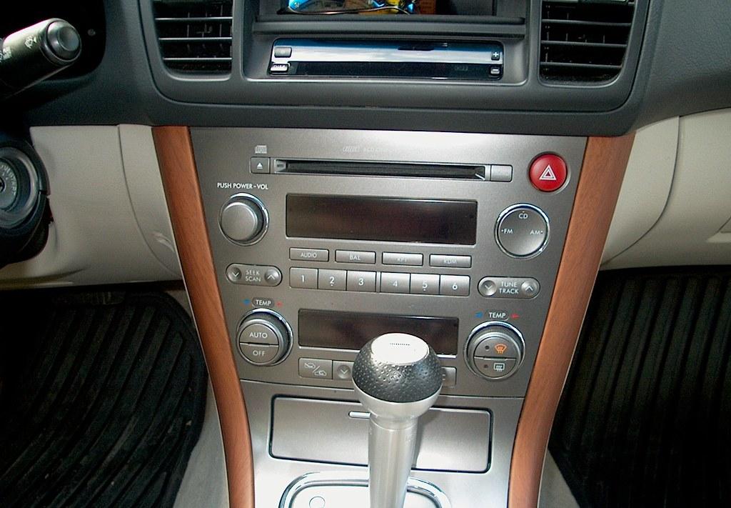 2005 subaru legacy gt radio removal