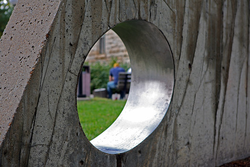 IMAGE: http://farm3.static.flickr.com/2573/4007153696_e94bbcaff9.jpg