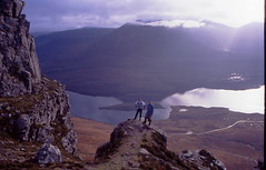 Patrick and Lee on Stac Pollaidh (Fraser P) Tags: mountains scotland highlands hiking climbing sutherland stacpollaidh benmorecoigach inverpolly lochlurgainn