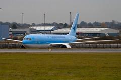 G-OBYE - 28979 - Thomson Airways - Boeing 767-304ER - Luton - 091019 - Steven Gray - IMG_2523