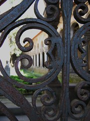 Passagem para o passado (Helena Compadre) Tags: portugal europa museu ferrugem histria guimares ferro minho claustro albertosampaio ilustrarportugal srieouro museualbertosampaio aboutiberia helenacompadre