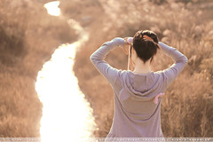 a long river. (Taxiski) Tags: autumn girl canon river hana lovely 5018 450d