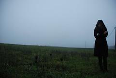 ([Charlotte]ThePhilosopher) Tags: cold nature girl field fog femme country natura campagna campo marta nebbia freddo ragazza cassano