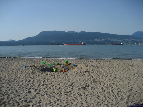 Freighters and North Shore mountains