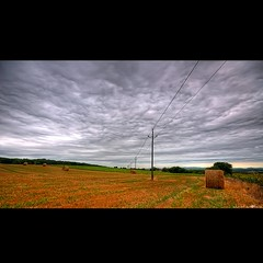 Electric fields (christian&alicia) Tags: electric clouds landscape poste nikon alt sigma catalonia nubes fields catalunya camps 18200 paja hdr nuvols palla emporda balas catalogne d90 electricitat christianalicia
