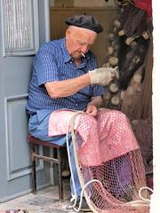 ago e filo.... (g.fulvia) Tags: work fisher croazia hvar pescatore starigrad lavoro fishingnet antichimestieri dalmazia lesina retedapesca mestieri isoladihvar leuropepittoresque