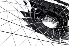 The Vortex (PhilippNB) Tags: bw white vortex black lines germany deutschland europe hessen frankfurt sony main galerie front 09 sw 300 alpha dslr philipp weiss 19 2009 schwarz zeil strudel cladding hesse zeilgalerie linien weis nrnberger a philippnb myzeil