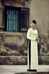 (_blackscorpion_) Tags: life street new old canon vietnam hanoi eos1ds blackscorpion langthang duongducson