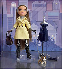 Bratz Collector Series Fashion Capitals (BRTZV*) Tags: fall fashion series girlz moxie 2009 collector bratz capitals mgae