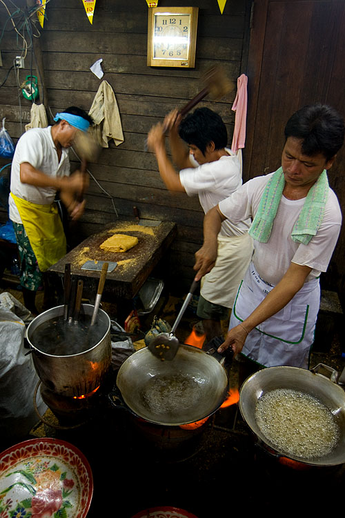 Making khanom tup tap in Bangkok's Chinatown during the annual vegetarian festival