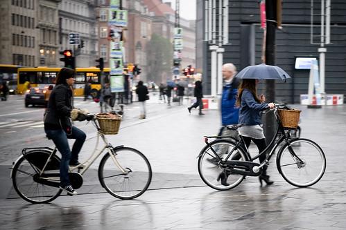 City Hallishness avec parapluie