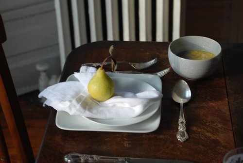 thanksgiving place setting with quince
