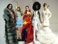 Set I (~SALVADOR~) Tags: gold label barbie