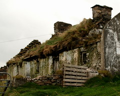 old cottage (hmb52) Tags: ireland abandoned traditional cottage ruin clewbay comayo aillemoreset accony