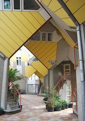 Rotterdam, Cube Houses #10 (tokek belanda (very busy)) Tags: houses house holland architecture modern rotterdam blaak moderne cube 1984 bos piet  kubus zuidholland woningen  kubuswoningen   blom  overblaak architektuur  blaakse