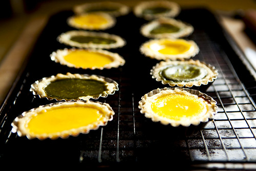 Just baked egg custard tarts (dan tats, 蛋撻)