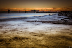 Swept (Žèę Ķ) Tags: cold richmond wave tide ocean sea swept sunset landscape seascape orange golden goldenhour driftwood log outdoor beach seaside sky clouds nature