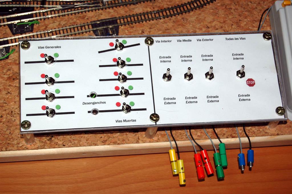 Mi circuito de pruebas pemanente... 120x60cm 3667779440_de9a9560b8_o