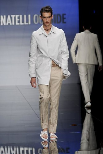 Julius Beckers303_SS10_Milan_Carlo Pignatelli Outside