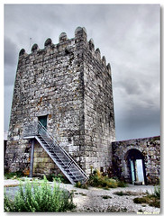 Celorico_Basto_castelo_arnoia02 (vmribeiro.net) Tags: castle portugal torre castelo menagem basto celorico arnoia celoricodebasto ilustrarportugal