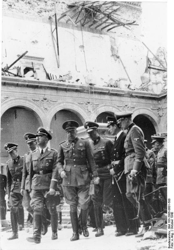 Heinrich Himmler, José Moscardó y Karl Wolff en el Alcázar de Toledo en octubre de 1940. Deutsche Bundesarchiv