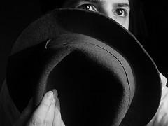 (ccarriconde) Tags: ccarriconde cristinacarriconde mão arquivo chapéu copyright©cristinacarricondeallrightsreserved 102703 ©cristinacarriconde
