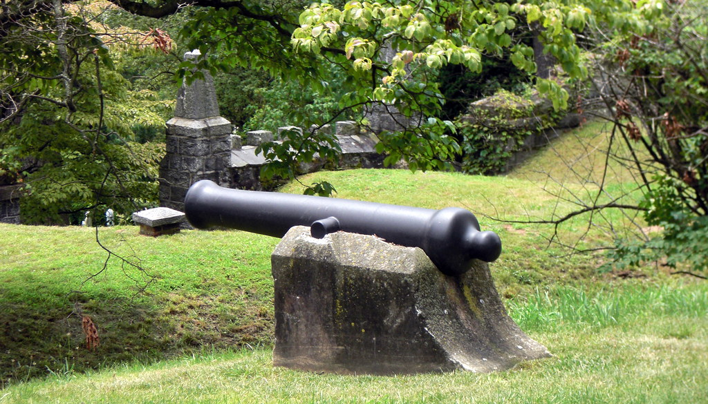 Revolutionary War Cannon at Sleepy Hollow Cemetery
