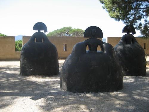 Meninas by Manolo Valdés