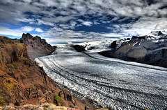 Skaftafellsjkull (Enginn Engill) Tags: mountain ice nature clouds landscape island iceland islandia amazing scenery view hiking glacier stunning hdr islande glacial skaftafell vatnajkull jkull skaftafellnationalpark skaftafellsjkull s landslag suurland horft glaciertongue hikinginiceland skaratindur