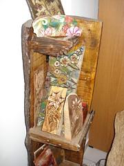 λουλουδια πυρογραφια σε ξύλινο σταντ (AEGEOTISSA) Tags: art pyrography πυρογραφια
