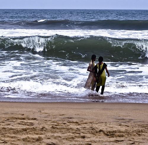 roaming around 拍攝的 mahabalipuram。